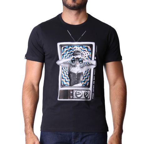 Camiseta-Manga-Curta-Adulto-Looking-At-The-Tv-Preto