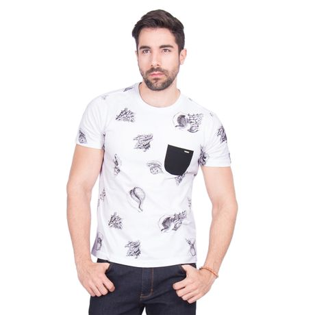 Camiseta-Manga-Curta-Estampada-Conchas