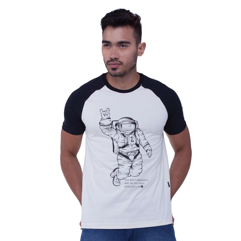 fe0ce9567 Proteção Solar. Boné UV · Camiseta UV · Outlet · Rota do Mar · Masculino ·  Camiseta. Camiseta-Raglan-Estampa-Astronauta ...