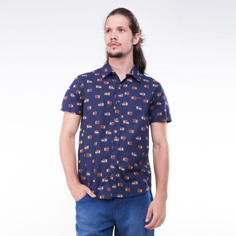 Camisa-Manga-Curta-Estampa-Audiovisual